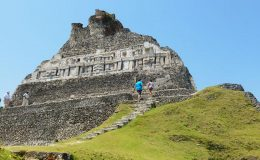 chaa-creek-belize-xunantunich-maya-temple-5_0