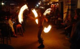 Fire_dancers_Isla_Mujeres